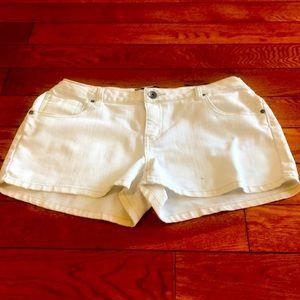 🩳White Shorts